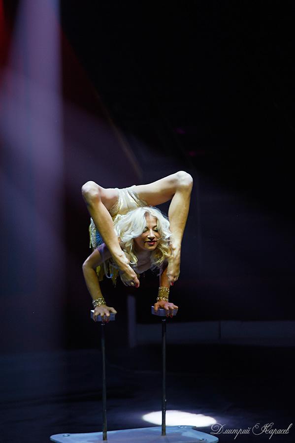obalbennoy-akrobatika-plastika-kauchuk-seksi-porno